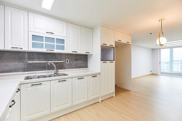 세 가족의 아늑한 보금자리 30평대 아파트