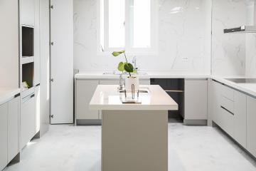 화이트 컬러로 완성된 품격 있는 우리 집, 50평대 아파트