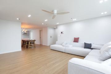 가족들이 가장 좋아할 거실이 돋보이는, 40평대 아파트