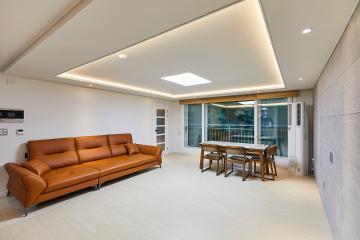 테라스에 안락한 공간을 조성한, 30평대 아파트 광명시,철산동,30평대,33평