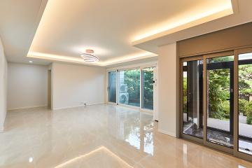 1층부터 2층까지 채광이 가득한 60평대 주택 서대문구,연희동,60평대