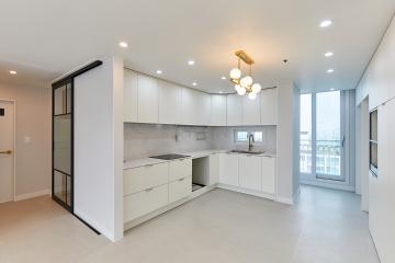 트렌디한 현관과 실용성 있는 주방이 돋보이는 30평대 아파트 고양시,일산서구,대화동,30평대,34평