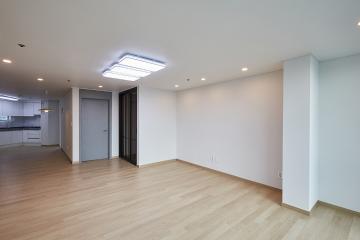 실용적인 화이트&그레이 톤의 30평대 아파트 30평대,32평,성동구,행당동