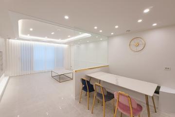 화이트 컬러의 깔끔한 모던 하우스, 30평대 아파트 30평대,35평,중랑구,면목동