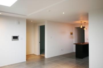 깔끔한 화이트&그레이 포인트 하우스, 30평대 아파트 30평대,32평,화성시,반송동,동탄
