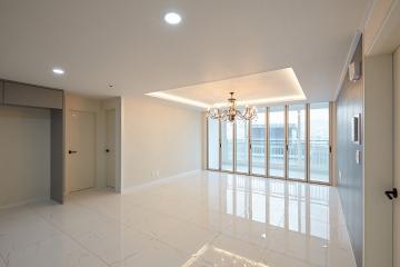 거실의 샹들리에로 고급스러운 분위기 연출, 30평대 아파트 30평대,34평,성남시,수정구,수진동
