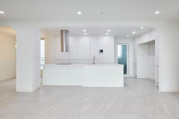 오픈형 주방으로 시선을 사로잡는 매력, 40평대 아파트