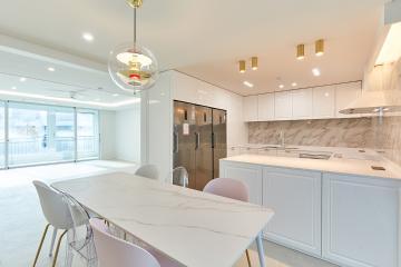 럭셔리 골드 포인트, 포근한 아이보리 컬러가 돋보이는 50평대 아파트 서초구,서초동,50평대,55평
