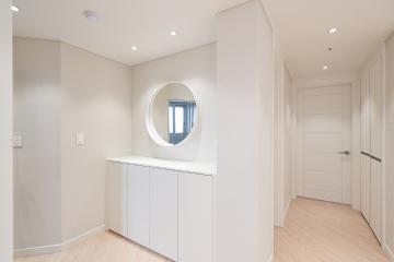 천장에 아름답게 수놓은 매립조명으로 환해진 30평대 아파트 인천,남동구,구월동,30평대,33평