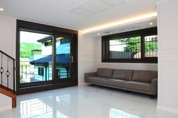자연과 어우러진 클래식한  50평대 주택 종로구,구기동,50평대,50평