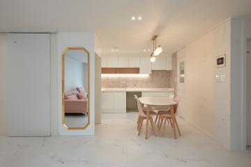 화이트와 핑크가 사랑스러운 무드의 30평대 아파트 30평대,31평,강동구,성내동