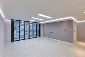 넓은 거실, 간접조명으로 허전하지 않게. 40평대 아파트 광명시,광명동,40평대,48평