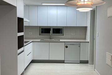 펜던트 조명으로 공간에 포인트를  30평,30평대,강서구,방화동,마곡,화이트인테리어,그레이인테리어