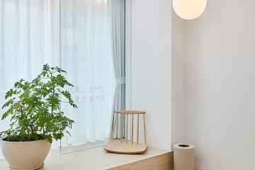 침실 단상이 있는, 노후 아파트의 감성 인테리어 32평,30평대,은마아파트,서울,강남구,대치동