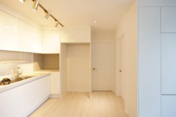 화이트&골드의 매치로 연출한 관악구 봉천동 생모리츠 타운 아파트 20평 그린,뉴클래식,신혼부부