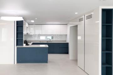트렌드 네이비컬러로 완성한 차분하고 분위기 있는 집  미니멀,심플,블루