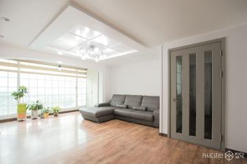 화이트톤에 그레이를 퐁당, 32평 아파트 인테리어 32평,블랙,심플,아파트,안양시