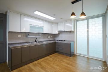 화이트와 그레이의 조화 27평 심플 아파트 인테리어 27평,그레이,심플,아파트,강서구