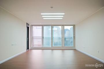 화이트톤에 카키그레이로 포인트를 준 32평 아파트 인테리어 32평,화이트,심플,아파트,광명시