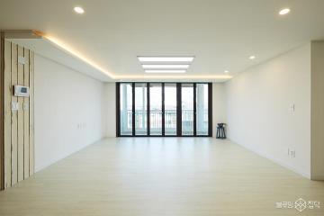 컬러와 자재로 공간의 개성을 살린 48평 빌라 인테리어 48평,모던,화이트,빌라,분당구