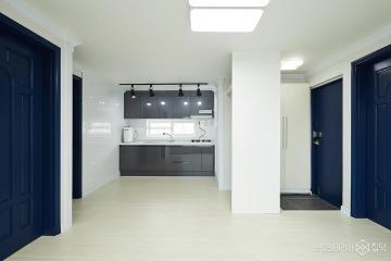 좁은 욕실에 욕조가 꼭 필요하다면? 22평 빌라 인테리어 22평,모던,화이트,빌라,금천구,네이비