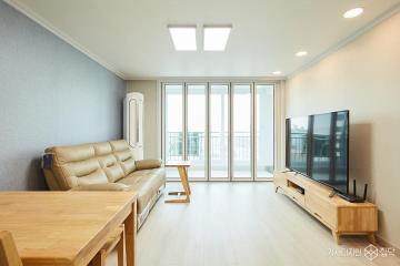 원목 가구로 아늑하고 포근한 느낌의 24평 아파트 인테리어 24평,내츄럴,베이지,아파트,수원시