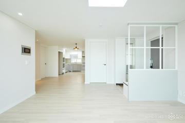 순백의 공간으로 재탄생한  40평 아파트 인테리어 40평,모던,화이트,아파트,동작구