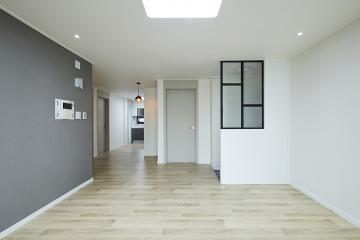 모노톤으로 고급스러운 미니멀리즘을 추구한 35평 아파트 인테리어 35평,그레이,심플,아파트,양천구,비포앤애프터,Before&After