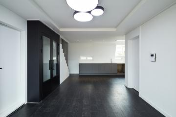 40대 중반, 비우기로 했다. 25평 빌라 인테리어 25평,모던,화이트,블랙,빌라,개포동,비포앤애프터,Before&After