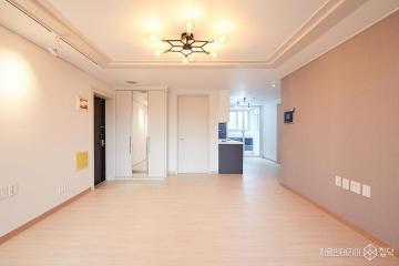 지금 올해의 첫 눈꽃을 바라보며, 25평 아파트 인테리어 15평,모던,화이트,아파트,마포구
